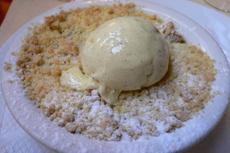 Crumble ananas-gingembre au miel