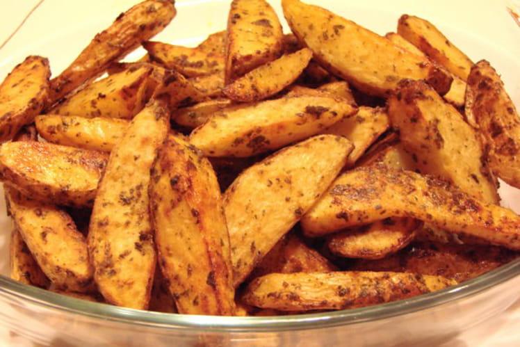 Potatoes de pommes de terre nouvelles au paprika
