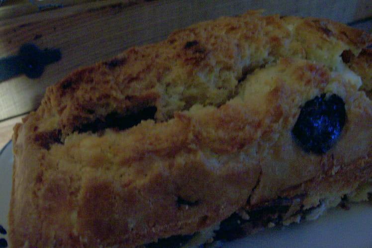 Cake au raisin et fromage de chèvre