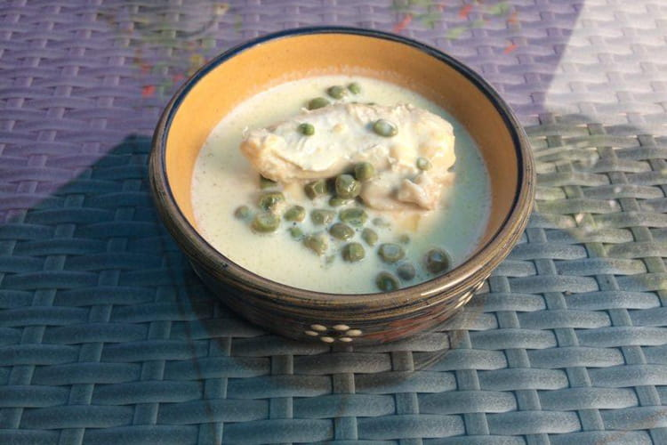 Poulet sauce aux petits pois «Blauwschokkers » et crème au Herve