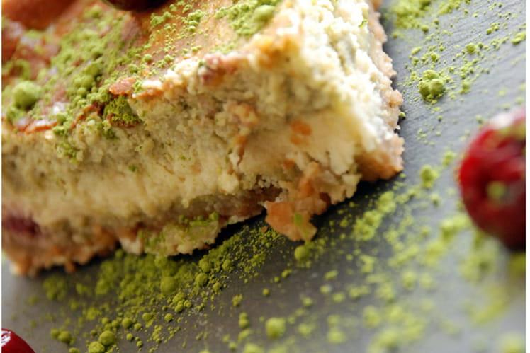 Cheesecake japonisant thé matcha et cerises