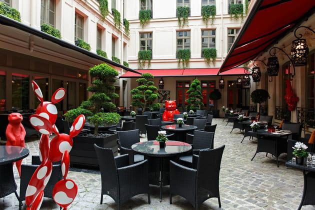 Le patio du restaurant Le Vraymonde au Buddha-Bar Hôtel
