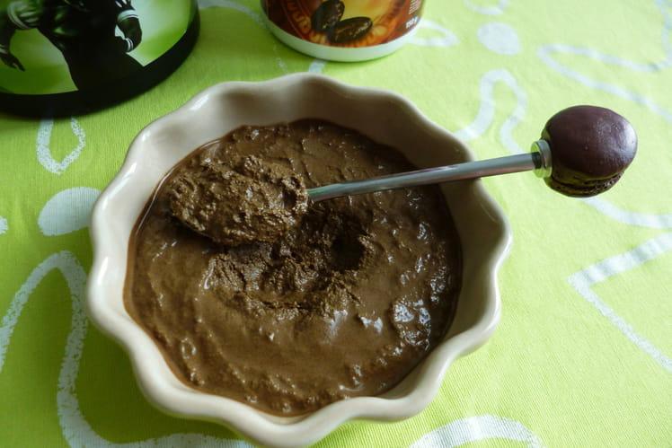 Crème dessert vegan 100% crue au cacao et aux protéines de chanvre