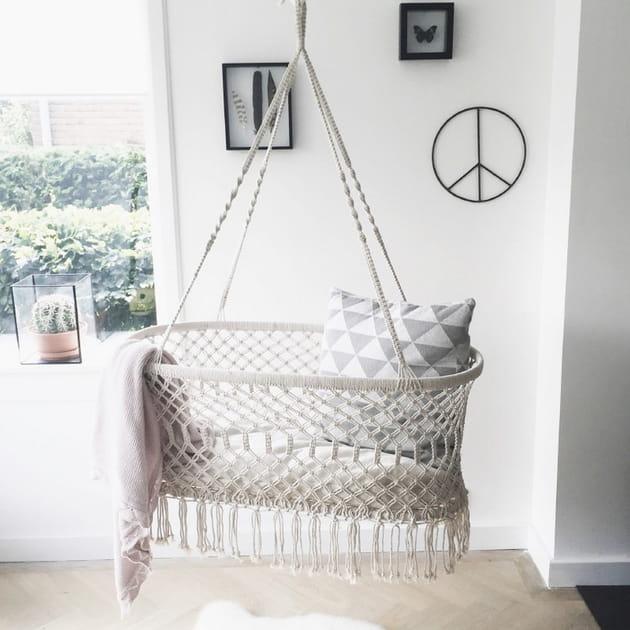 berceau suspendu macram. Black Bedroom Furniture Sets. Home Design Ideas