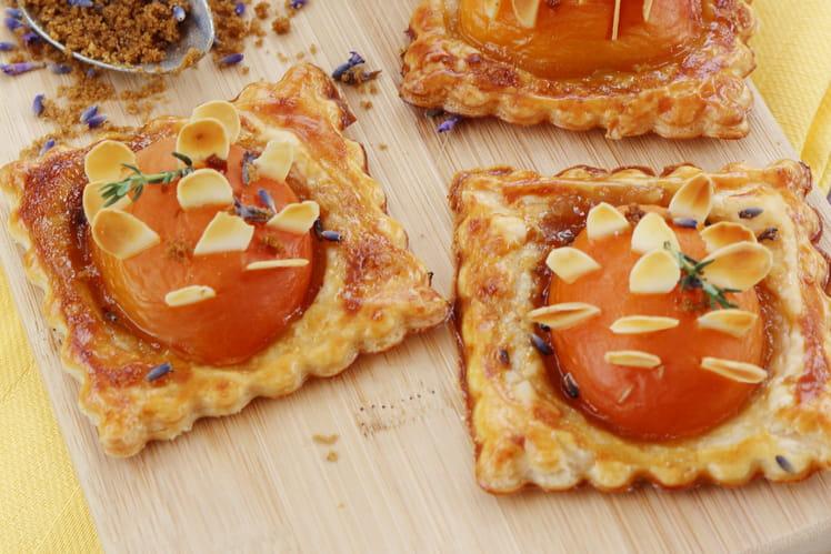 Tartelettes hérisson aux abricots et sucre roux à la lavande