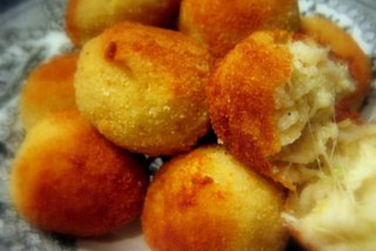 Arancini (croquettes de riz à la mozzarella)