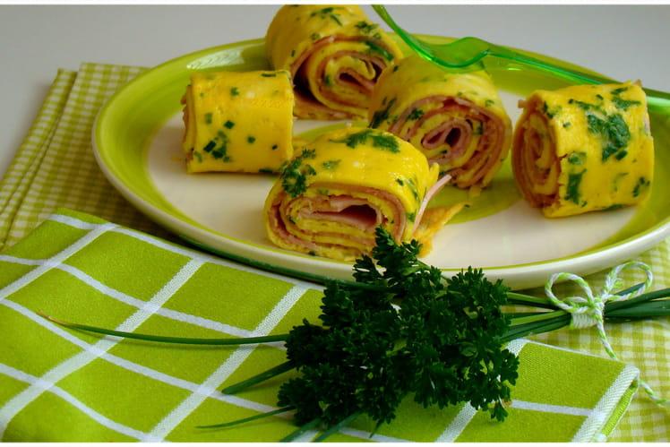 Omelette roulée au jambon fumé et herbes du potager