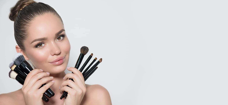 Comment nettoyer ses pinceaux de maquillage en douceur?