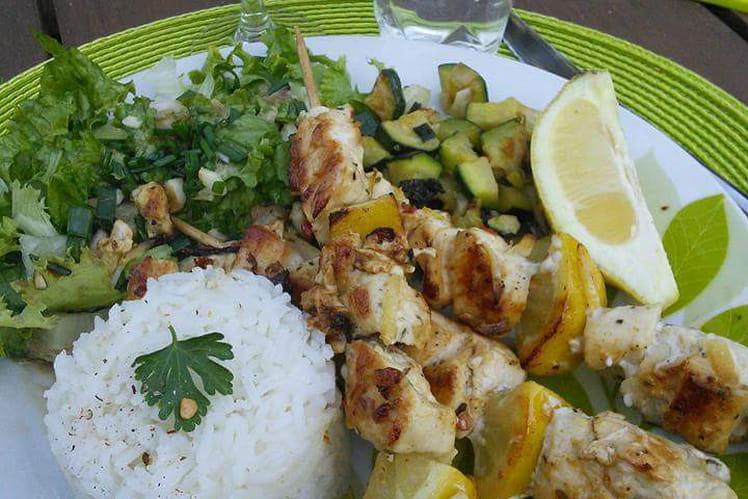 Brochettes de poulet mariné au citron