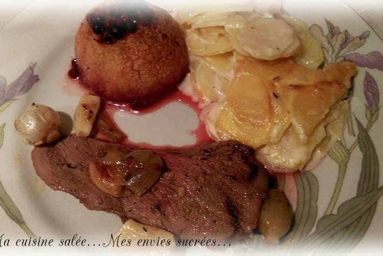 Gigue de chevreuil et pommes aux airelles, gratin dauphinois