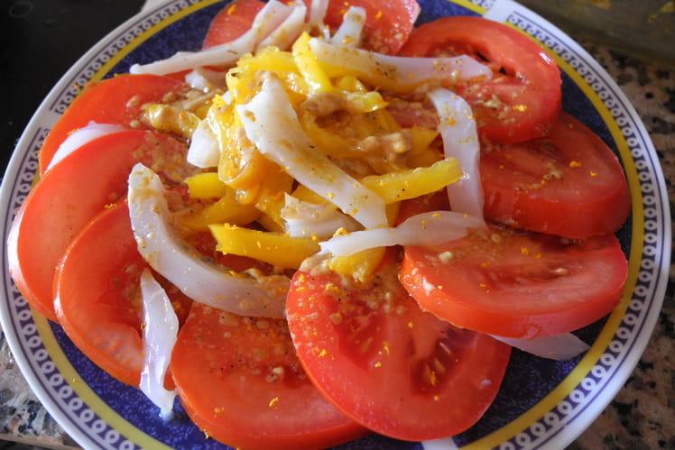 Salade poivrons et seiches grillés sur lit de tomates