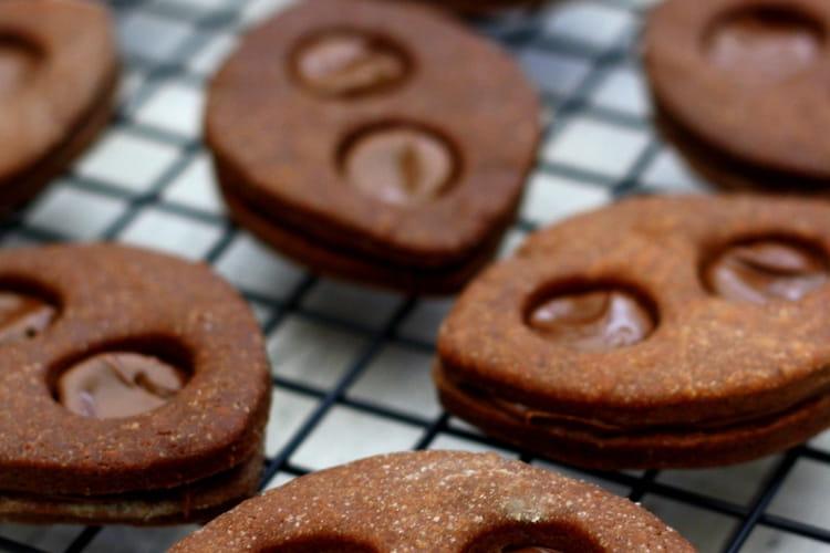 Biscuits Lunettes au chocolat fourrés à la pâte à tartiner