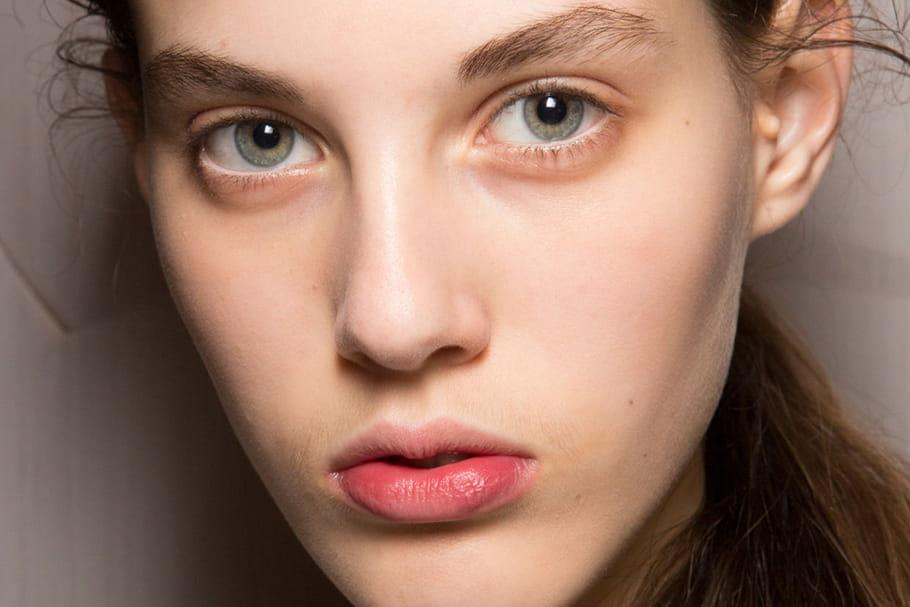 Le maquillage innocent du défilé Burberry