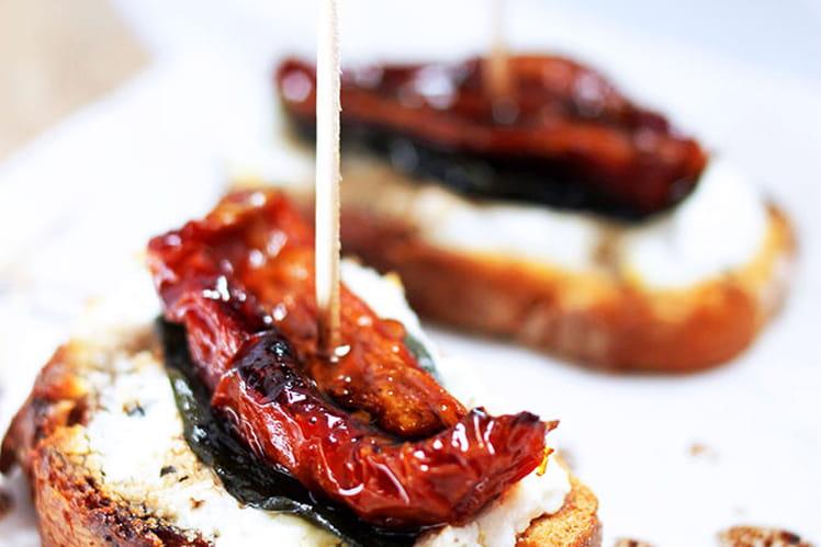 Tapas chèvre basilic et tomates séchées
