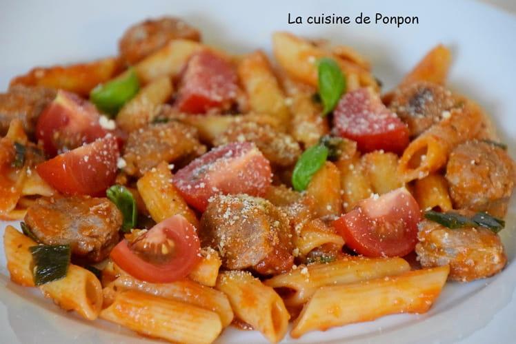Pâtes à la sauce tomate et aux saucisses
