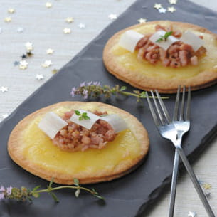 tarte au fromage raclette, oignons, lard et poireaux de christopher hache