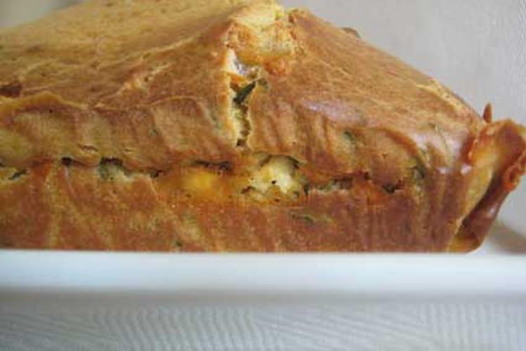 Cake aux herbes, chèvre et tomates séchées