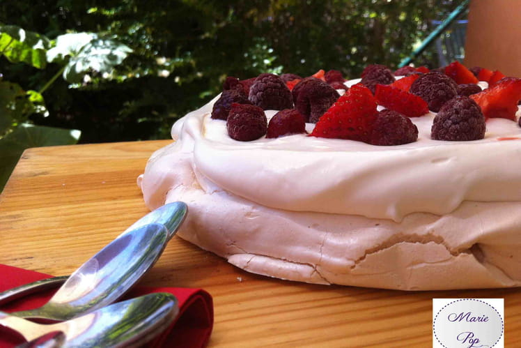Pavlova aux fruits rouges ultra simple