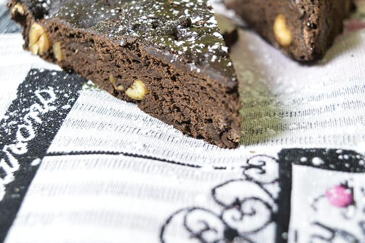 Brownie healthy chocolat & cacahuètes