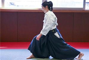pas de doute : le costume ajoute au charme de cet art martial.