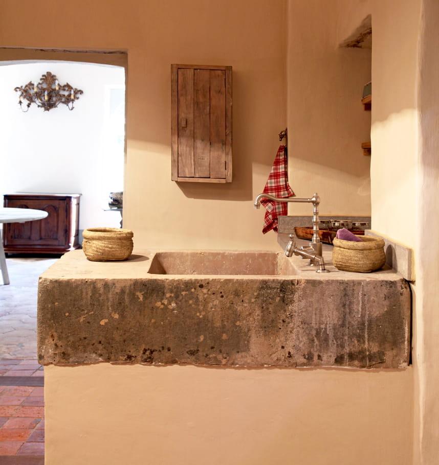 un vier industriel en pierre cuisine 8 beaux viers r cup 39 journal des femmes. Black Bedroom Furniture Sets. Home Design Ideas