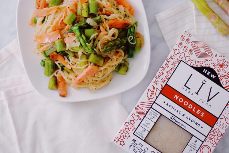 Noodles asperges et saumon fumé