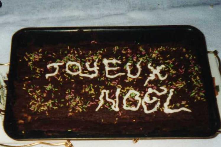 Pavé au chocolat, pralin et biscuits