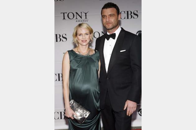Naomi Watts, enceinte de son premier enfant, en juin 2007