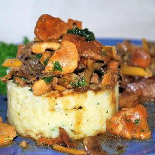 polenta aux champignons des bois et steak de bœuf