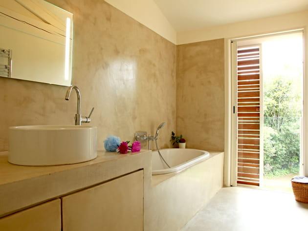 Salle de bains avec vue