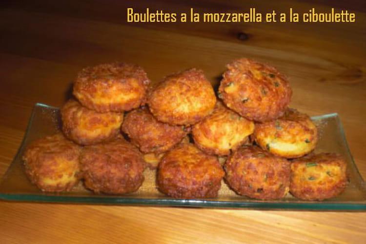 Boulettes à la mozzarella et à la ciboulette