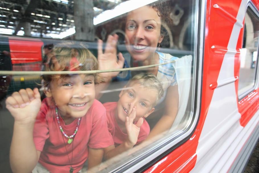 Voyager en train avec des enfants : nos astuces