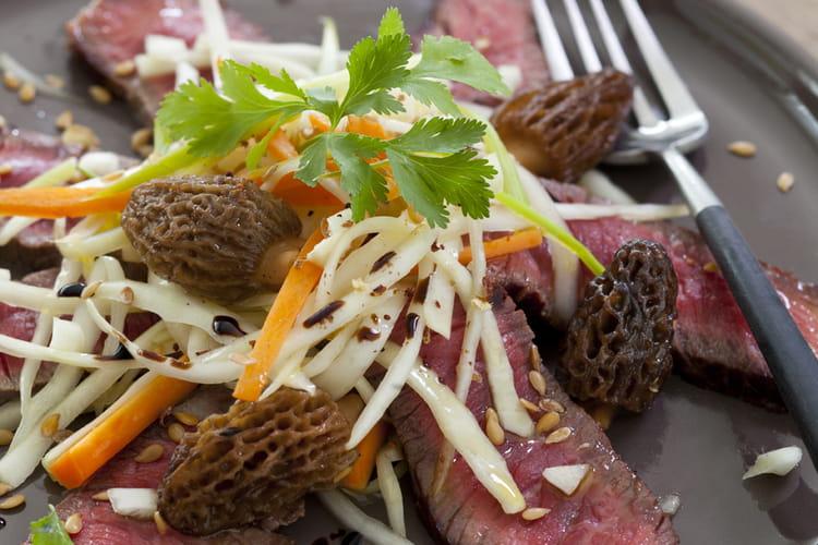 Tataki de bœuf, légumes croquants et morilles