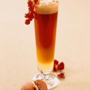 cocktail à la bière de noël, cranberries et sirot d'orgeat