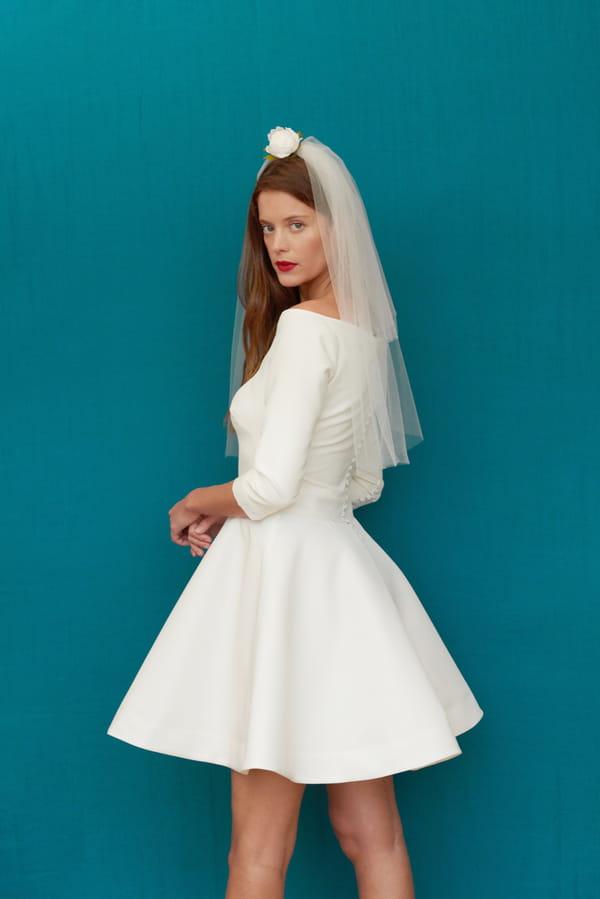 robe-de-mariee-simple-courte