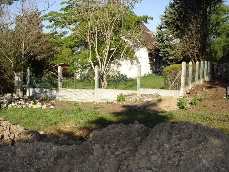 Avant : un vis-à-vis sur le jardin voisin