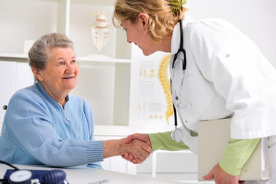 Etre atteint d'Alzheimer réduirait le risque de cancer et réciproquement