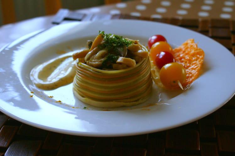 Timbale de spaghetti colorés