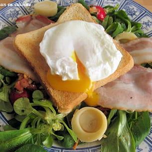petite salade fraîcheur aux oeufs pochés