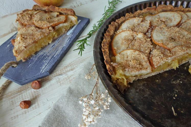 Tarte légère aux poires sur compote de pommes, parfumée au romarin, sans gluten et végétalien