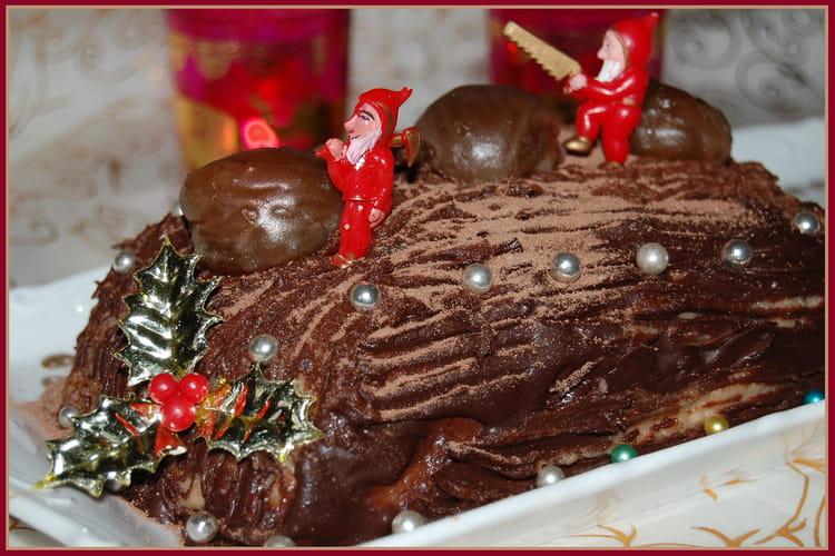Bûche aux marrons et au chocolat noir