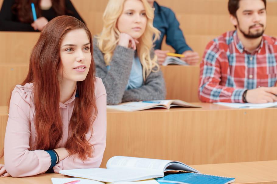 Discrimination : les jolies étudiantes sont mieux notées