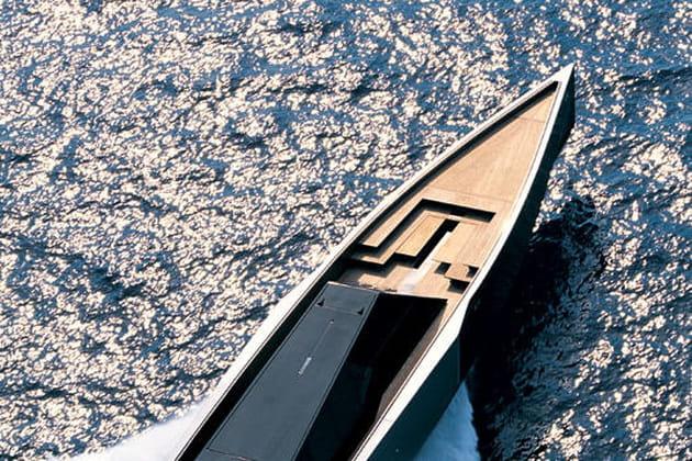 Yacht en propulsion