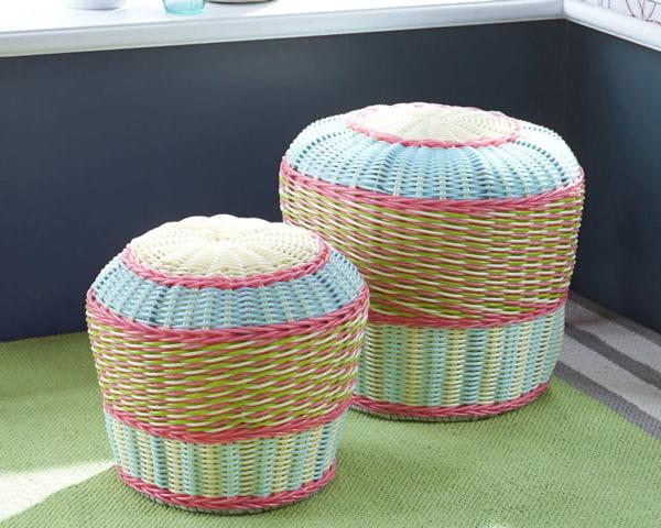pouf color de becquet. Black Bedroom Furniture Sets. Home Design Ideas
