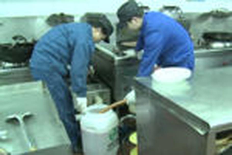 Chine : l'utilisation d'huile de cuisson usagée fait scandale