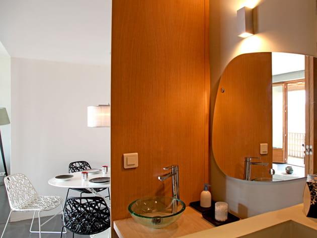 mini salle de bains. Black Bedroom Furniture Sets. Home Design Ideas