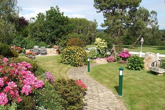 Suivez le chemin qui m ne au jardin du bout du monde d 39 h l ne - Les jardins du bout du monde ...