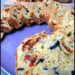 cake aux olives tomates sechees et parmesan aurelie sorbe