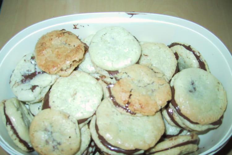 Macarons fourrés à la pâte à tartiner