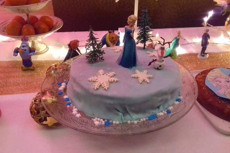 Gâteau Danniversaire Arc En Ciel La Reine Des Neiges